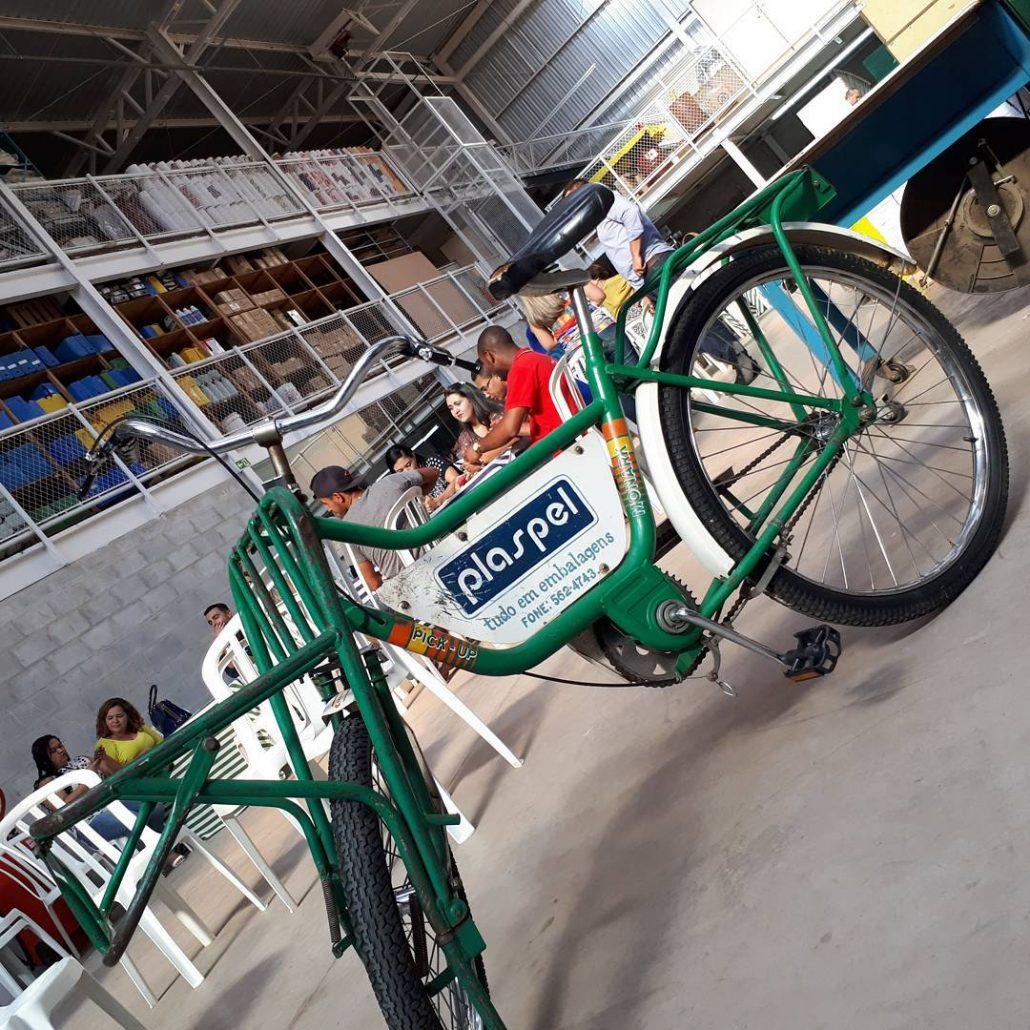 Bicicleta Plaspel utilizada para entrega nos anos 70